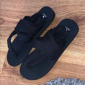 shade and shore sandals!